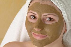Как действует пилинг на кожу лица
